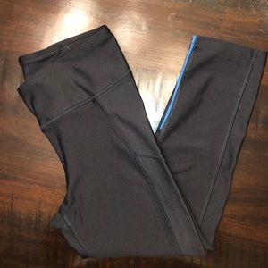 🤩🤩 UNDER ARMOUR LEGGINGS w pocket!